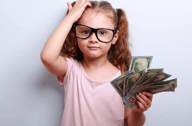 Criança com dinheiro