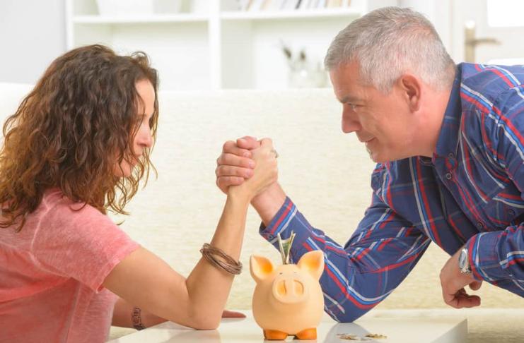 O que fazer quando você e seu parceiro são opostos ao dinheiro