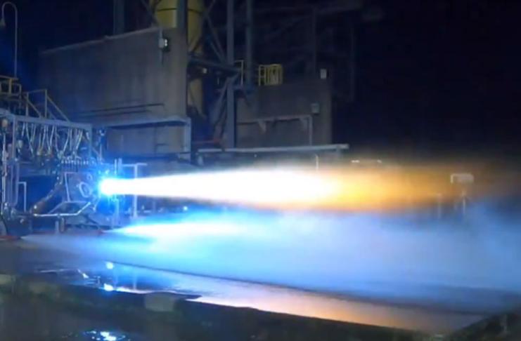 Jeff Bezos diz que este motor levará uma mulher à lua pela primeira vez