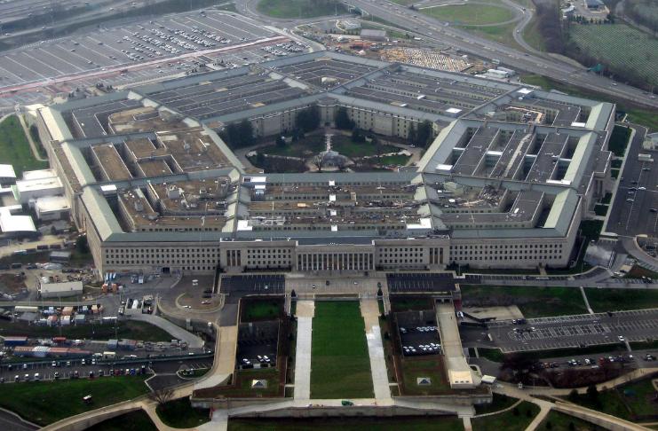 O governo dos EUA está mantendo os peritos em segurança cibernética acordados durante a noite