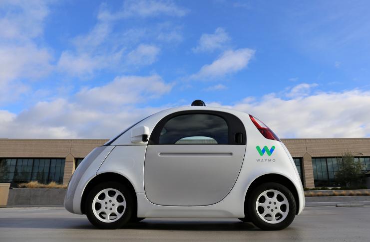Waymo, um pioneiro que dirige sozinho, dispensa o termo 'direção autônoma'