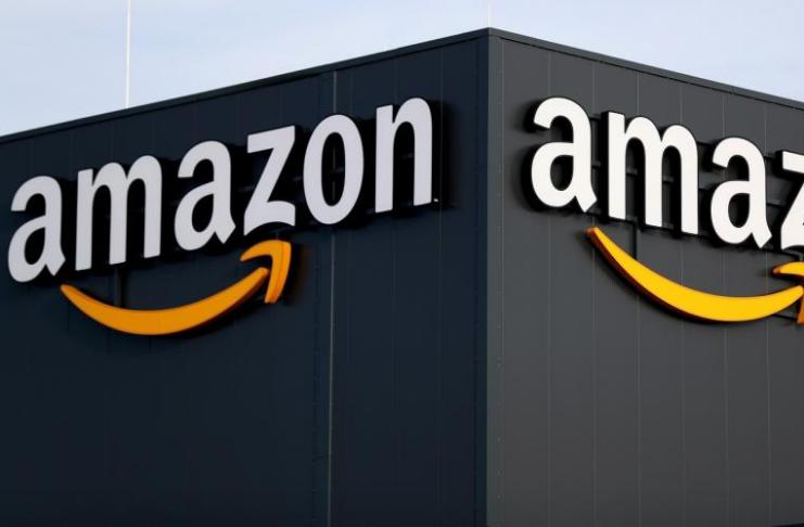 Amazon está removendo mercadoria QAnon de seu site