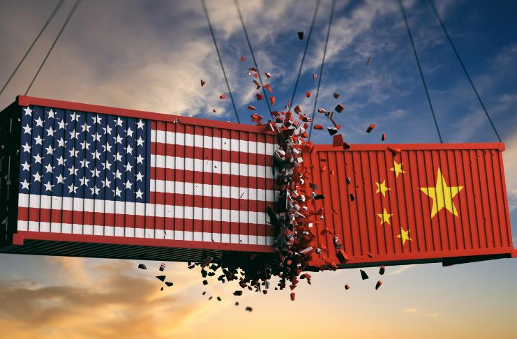 Empresas estrangeiras estão desistindo dos Estados Unidos e apostando alto na China