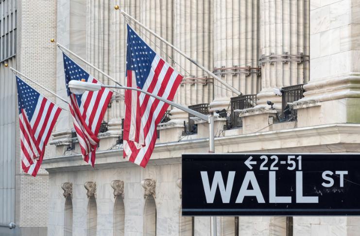 As ações disparam para recordes enquanto Wall Street ignora a violência de Washington
